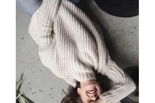 3 Extra tipy, jak nosit svetry, aby to nebyla nuda!